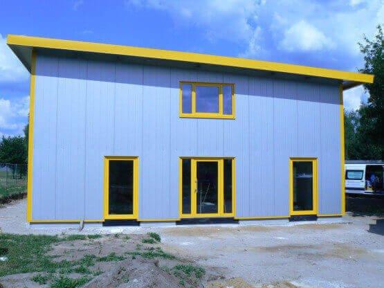 Fenster und Türen für Industriegebäude
