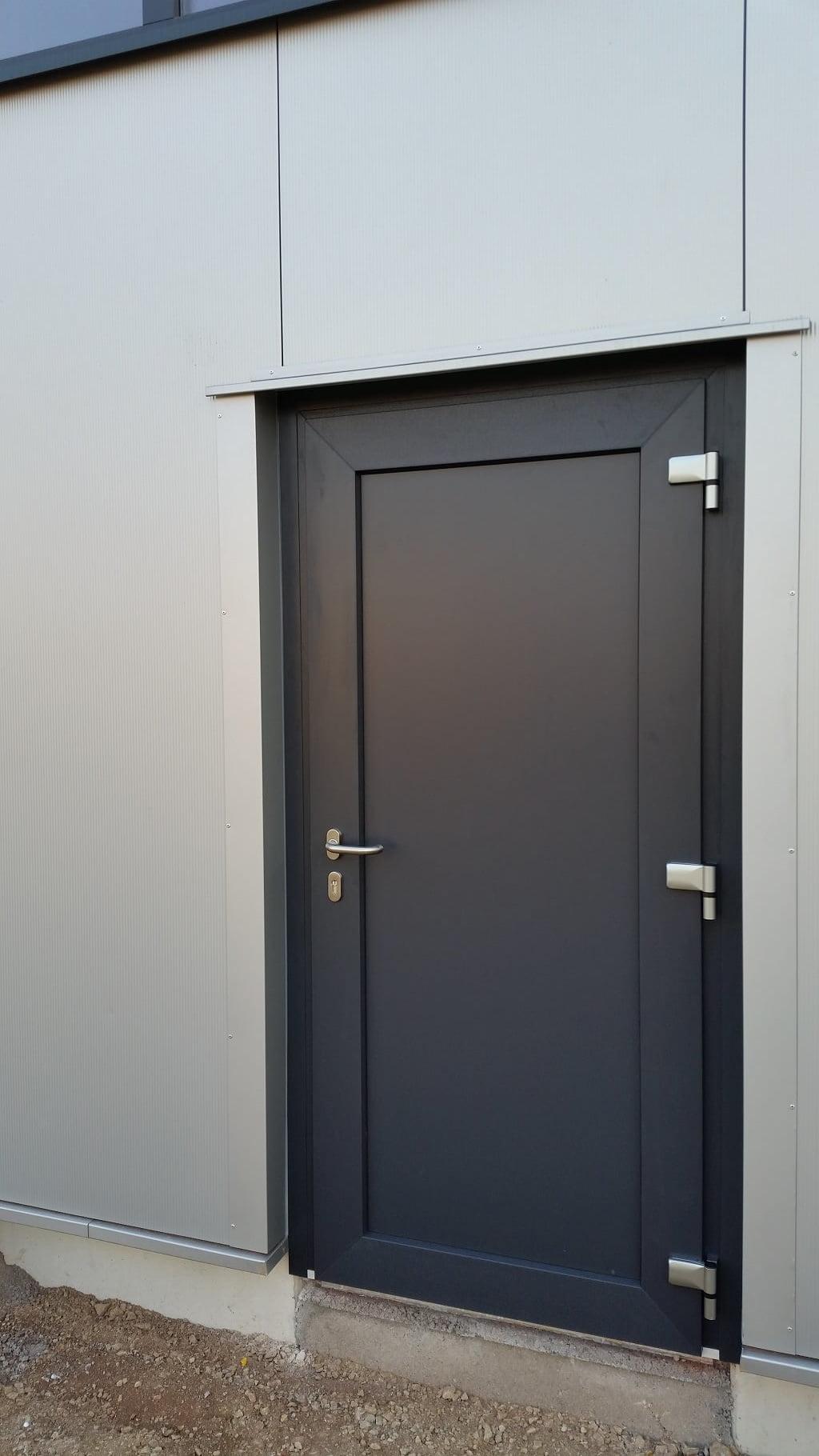 Fenster, Tür und Tor für Gewerbe