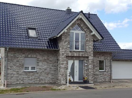 Einfamilienhaus Fenster + Haustür
